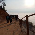 Akibat Membludaknya Pengunjung Yang Ingin Melihat Negeri Diatas Awan Membuat Macet Hingga 7 KM