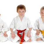 Kapan Usia Tepat Mengenalkan Seni Bela Diri Taekwondo pada Anak?
