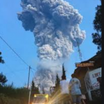 Gunung Merapi Mengalami Erupsi Ditengah Wabah Corona